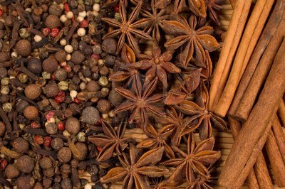 spices--star-anise--allspice-cinnamon-sticks
