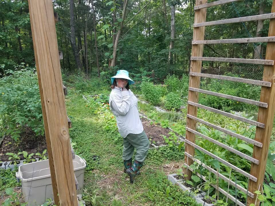 The Homestead Garden: Cris in her summer outfit